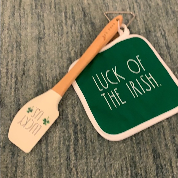 SPATULA & POTHOLDER IRISH RAE DUNN